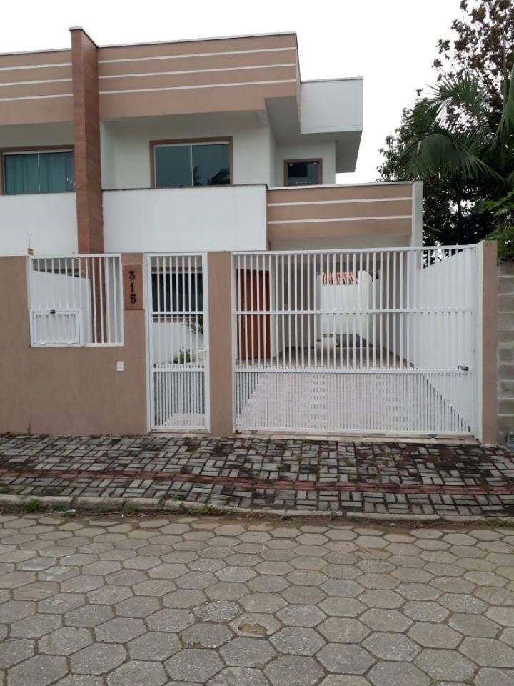 Cadin Imoveis - Vende - Sobrado - Centro - Navegantes - R$380.000,00