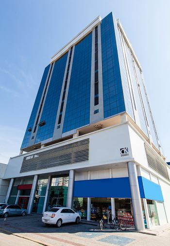 Cadin Imóveis - Locação - Sala comercial - Centro - Navegantes - R$ 990,00