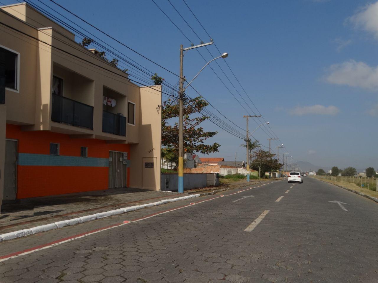 Cadin Imoves - sala - locacao - Meia Praia - navegantes - R$ 900,00