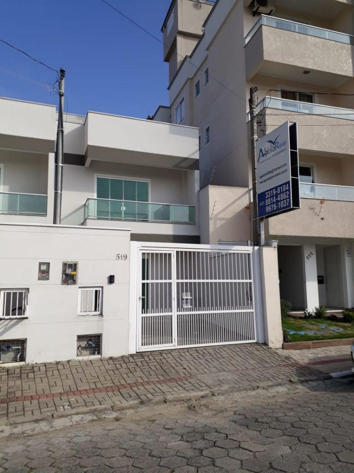 Cadin imoveis - locacao - Casa - Centro - Navegantes - R$ 1800,00