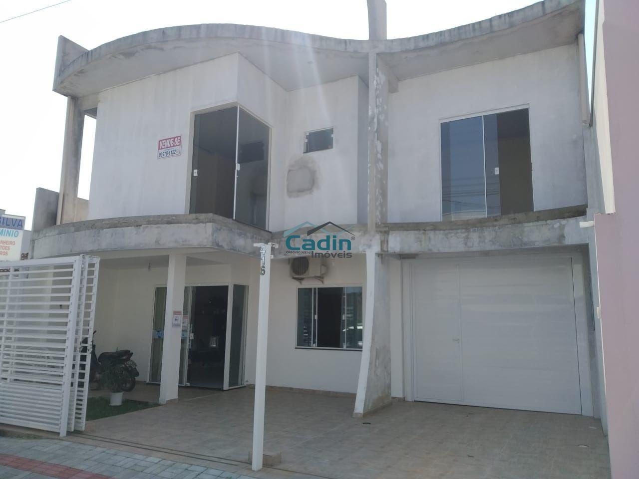 Excelente casa 5 dormitórios centro Navegantes