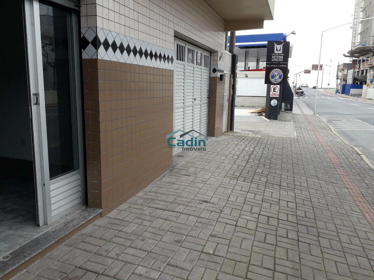 Sala comercial a 150 m do mar centro Navegantes