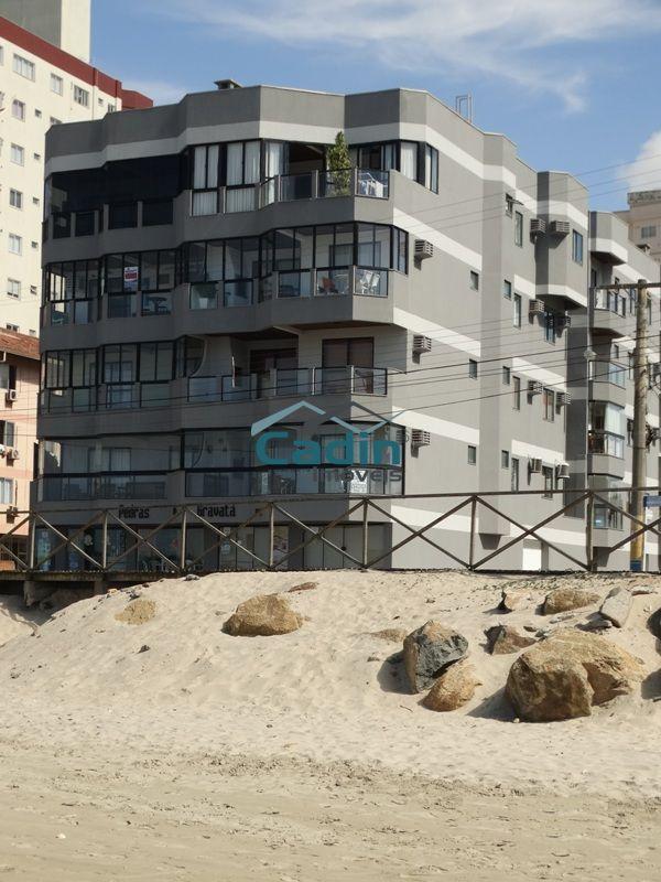 Apto 02 dormitórios em prédio frente mar, Gravatá/Navegantes!