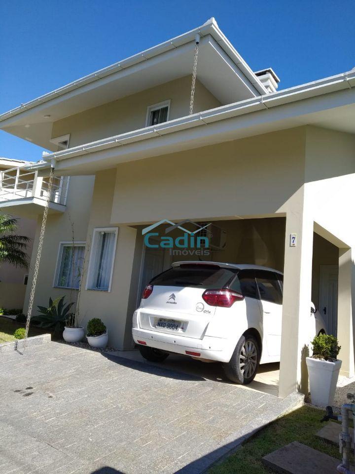 Casa 4 Quartos cond. fechado- 350 mts do Mar