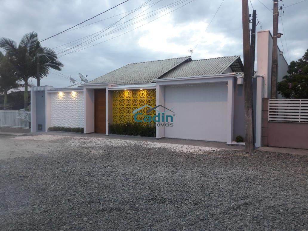 Casa alto padrão localizada em Santa Lidia Penha.