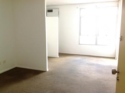 Sala   Santa Efigênia (Belo Horizonte)   R$  720,00