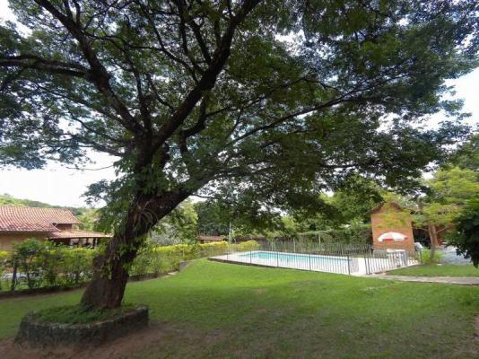 Casa em condomínio   Cond. Aldeias Do Lago (Esmeraldas)   R$  550.000,00