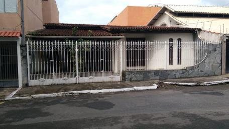 Casa   Centro (Vila Velha)   R$  2.700,00