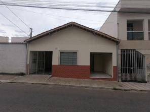 Casa   Vila Ipiranga (Varginha)   R$  800,00