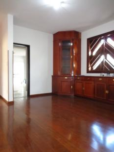 Casa   Santa Amélia (Belo Horizonte)   R$  8.000,00