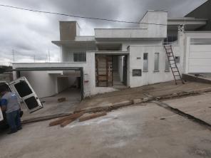 Casa   Vila Verde (Varginha)   R$  1.900,00