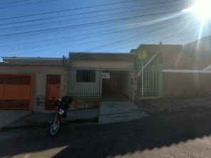Casa   Parque Mariela (Varginha)   R$  700,00