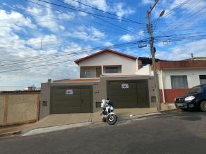 Casa   Bom Pastor (Varginha)   R$  1.250,00