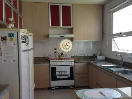 Cozinha com armário planejado