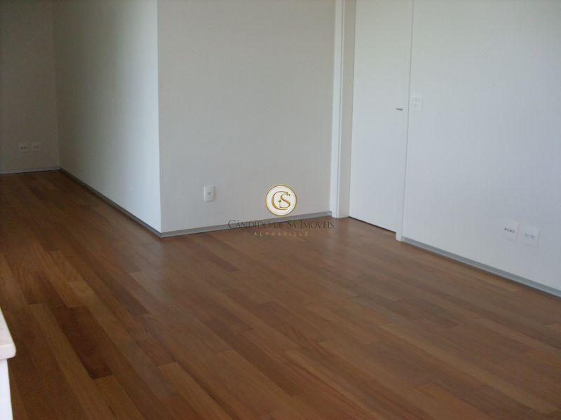 Piso corredor e quartos