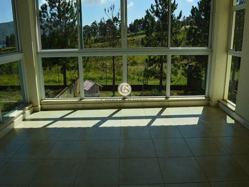 Sala 2° pavimento com vista para as montanhas - 2117