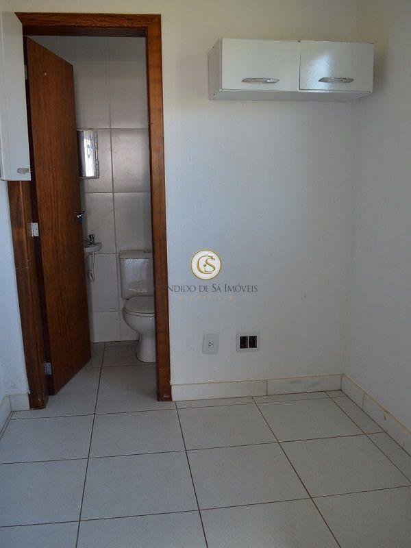 Quarto D.C.E com banheiro e armários - 2117