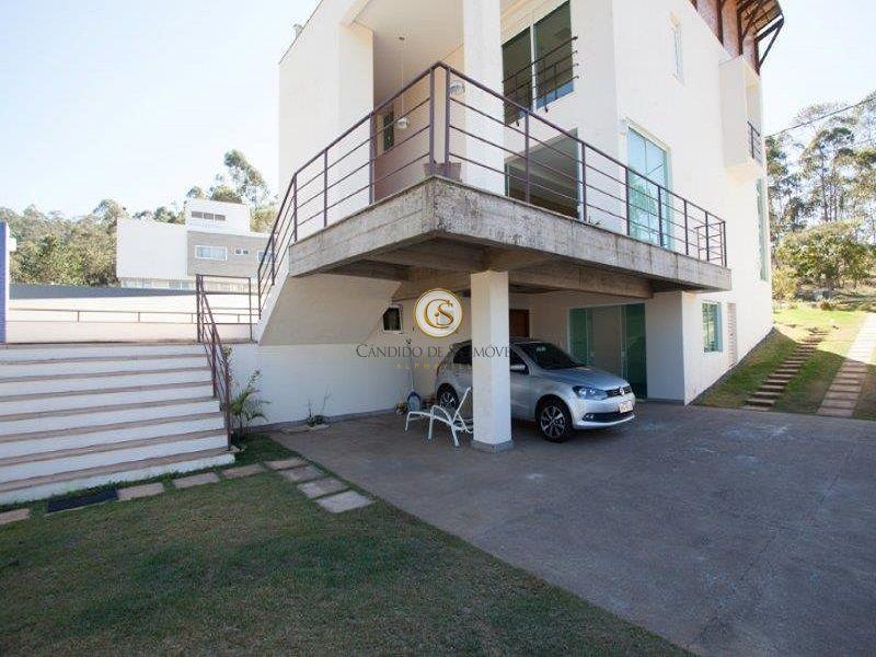 Primeiro piso com garagem coberta para 3 carros - 29951