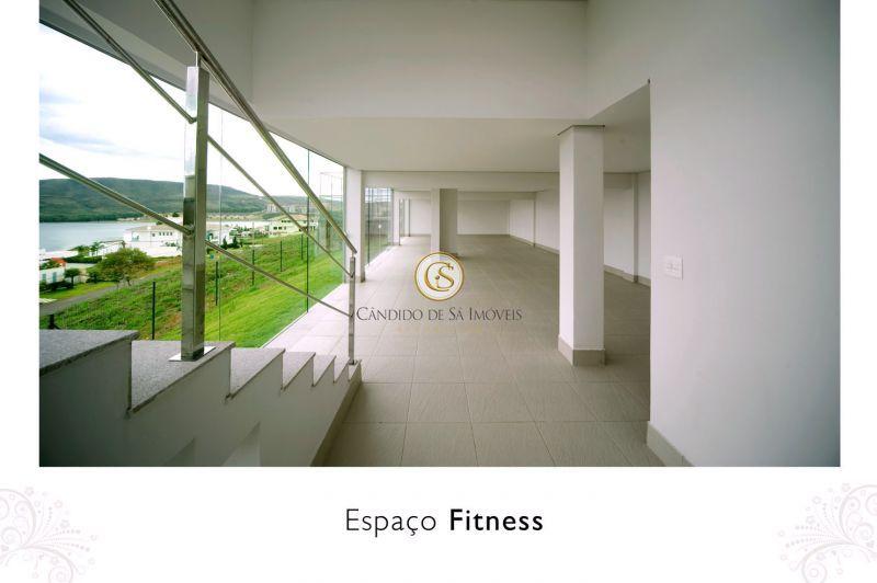 Espaço fitness com vista para Lagoa dos Ingleses