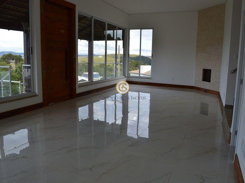Ampla sala com piso em mármore - 3339