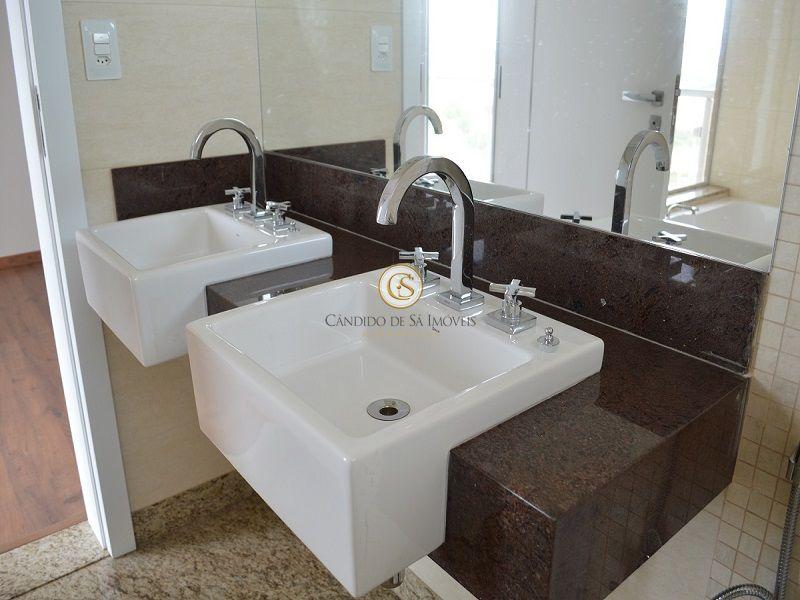 Banheiro suíte master com piso e bancada em granito - 3339