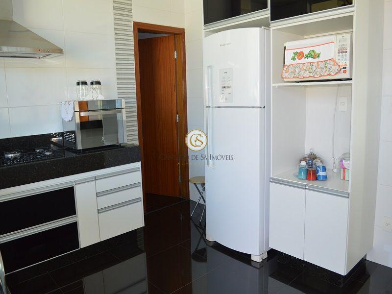 Cozinha com armários - 3433
