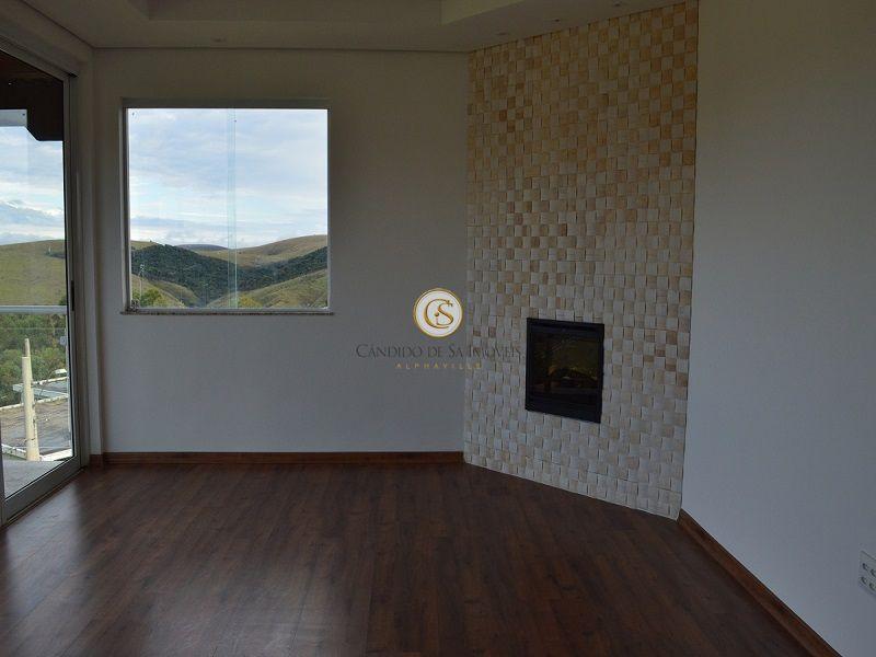 Sala estar íntimo com piso laminado em madeira - 3339